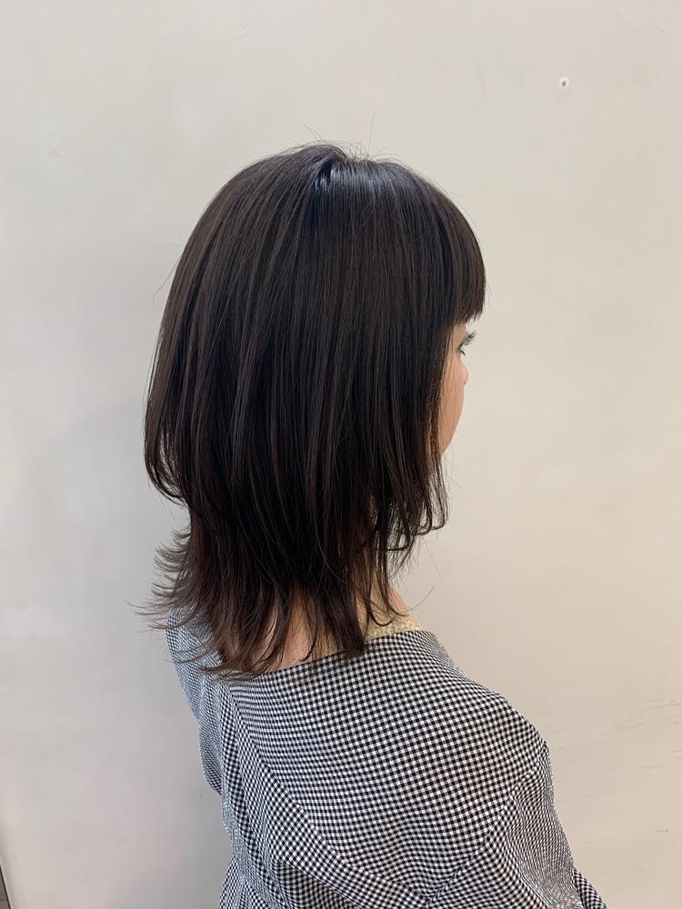暗髪レイヤーミディアム