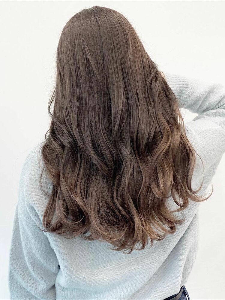 大人気の美髪カラー♪透明度たっぷりのグロスベージュ