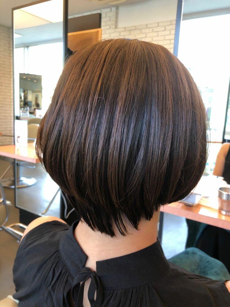 40代にはシンプルでもヘアスタイルが決まりやすいグラデーションボブがオススメ