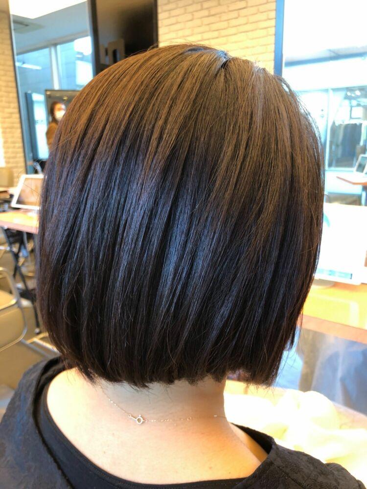 髪質改善でクセを抑えて、髪も柔らかく仕上げた大人ボブスタイル
