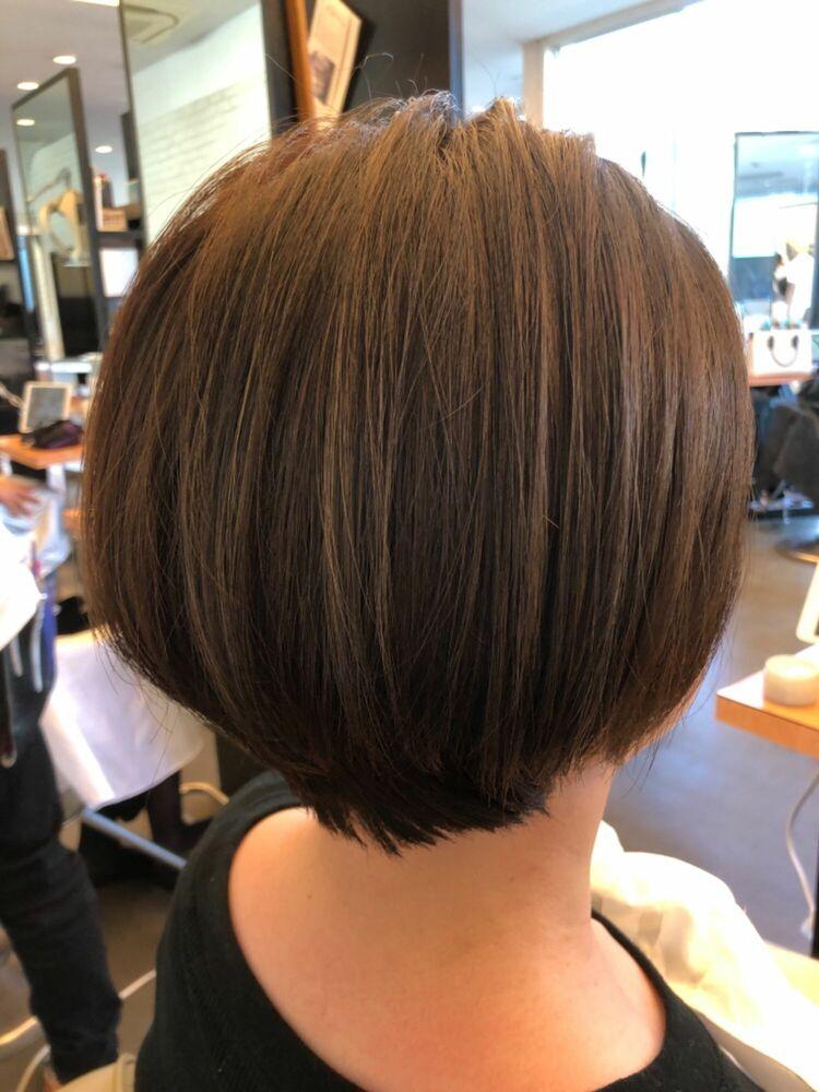 40代の秋はスッキリボブで襟もとスッキリで大人可愛いヘアスタイル