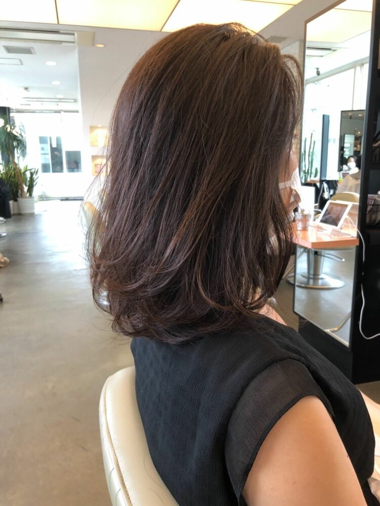40代縛れる長さの髪質改善ストレートヘアスタイル