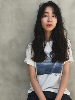 ロング×黒髪×ウェーブパーマ