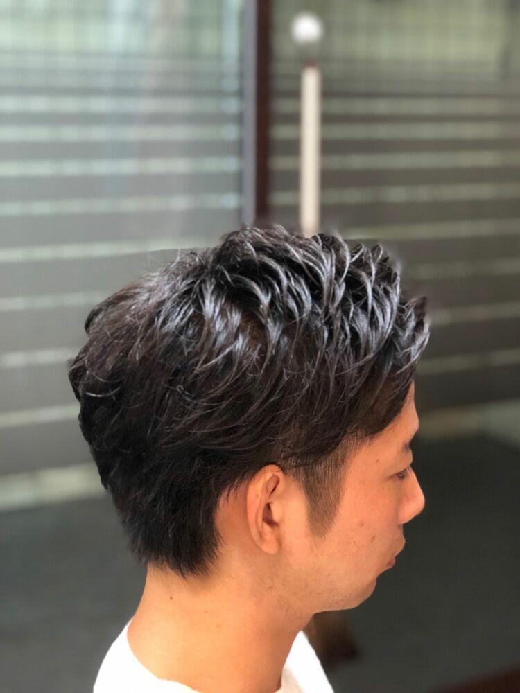 直毛の髪にナチュラルパーマをかけ自然な仕上がりに