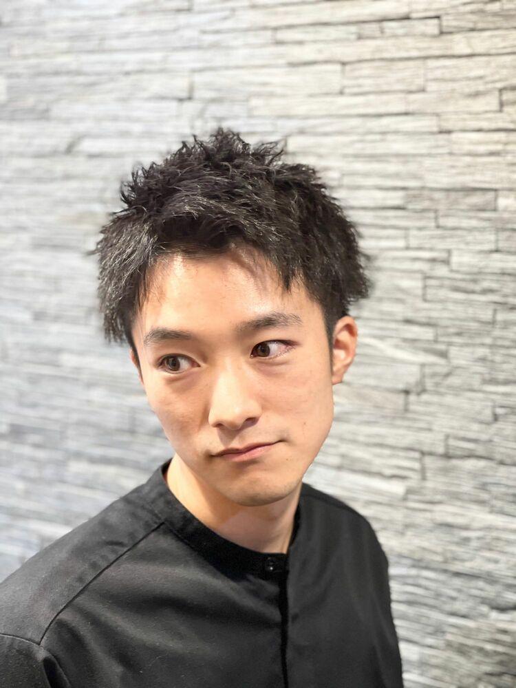 黒髪短髪ツイストパーマ