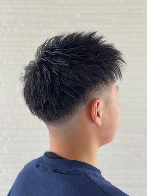 黒髪フェードスタイル