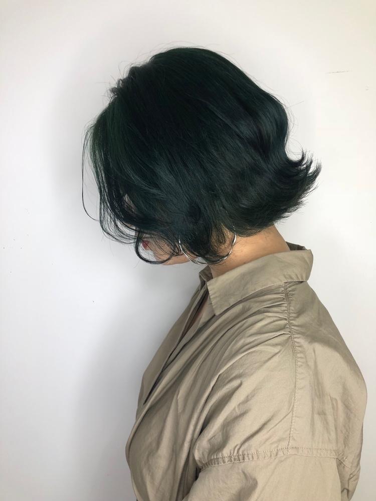韓国ヘア×モスグリーン