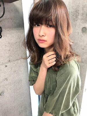 【サングース東海林】異性にモテる好印象なミディアムの髪型
