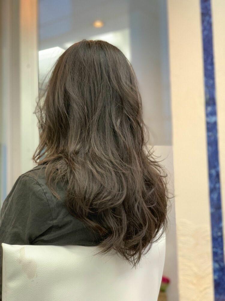 柔らかい質感のロングヘア