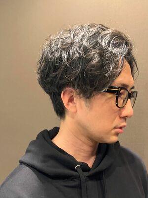 メガネとも相性抜群パーマスタイル/六本木/理容室/ヒロ銀座