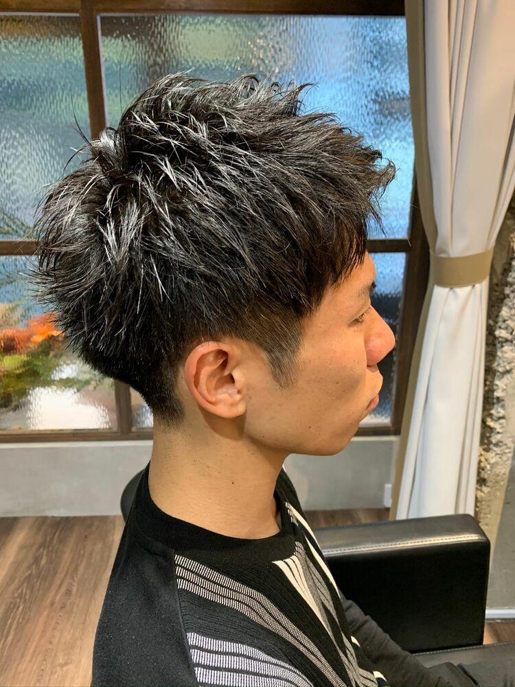 黒髪ツーブロ爽やかアップバングショート