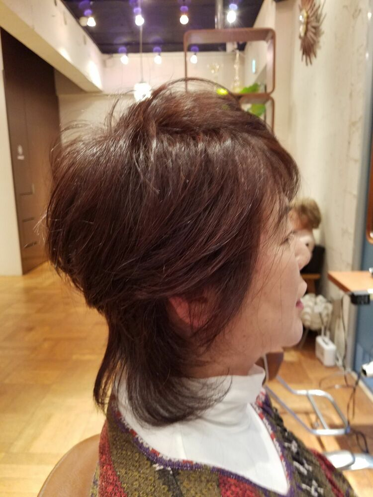 手入れの楽なミディアムヘア