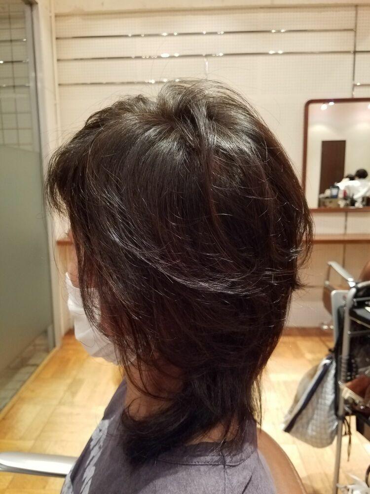 50代ロングスタイルです。髪のダメージを考えてカラーはヘアマニキュアにしています。