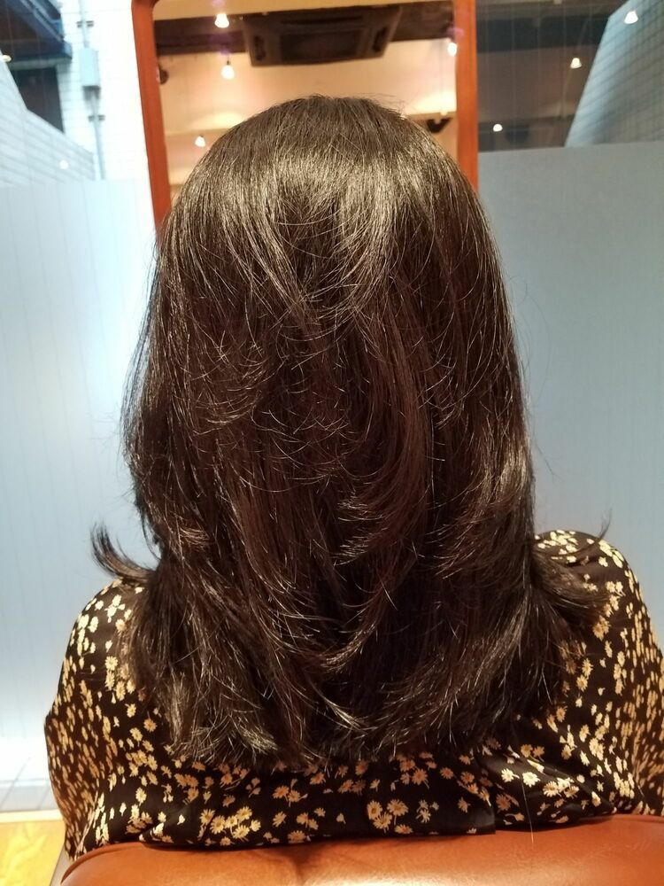 50代ロングスタイルです。ヘナカラーで髪の健康を第一に考えてます。
