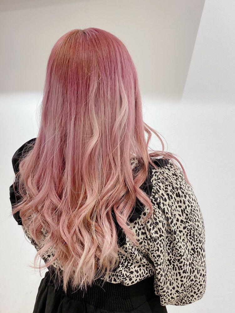 ブリーチ必須のピンクカラー!