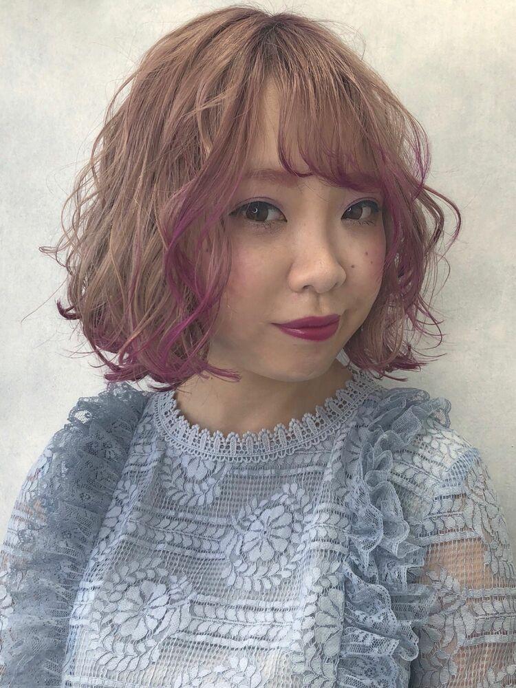 顔周りピンクのポイントカラー