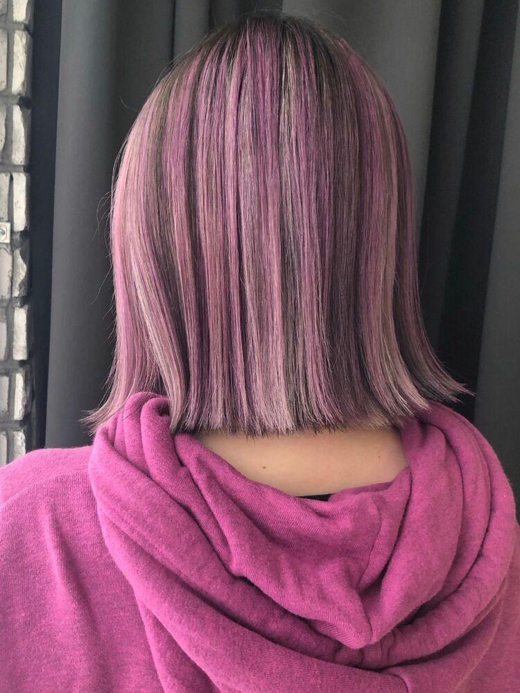 ピンク、ホワイト、ローライトの3Dカラー