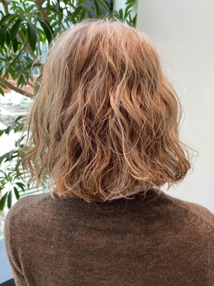 白髪を残しながら色味を足すハイライトカラー