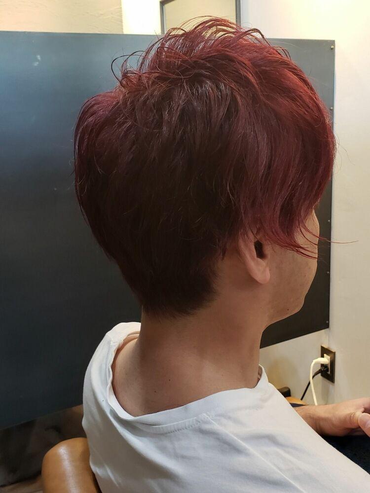 個性派ヘアスタイル赤髪ヘアー
