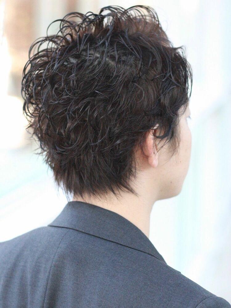 毛先のワンカールパーマで束感と癖毛風ウェットヘアかきあげ前髪でキメバングミスエッセンス竹下