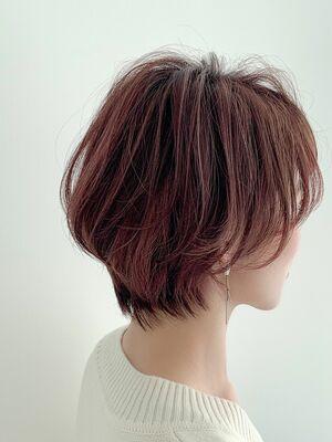 絶壁解消カットで見せるショートヘア