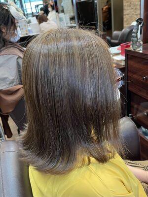 脱白髪染め!白髪ぼかしハイライトで白髪を馴染ませつつ明るい透明感のある髪の毛に!