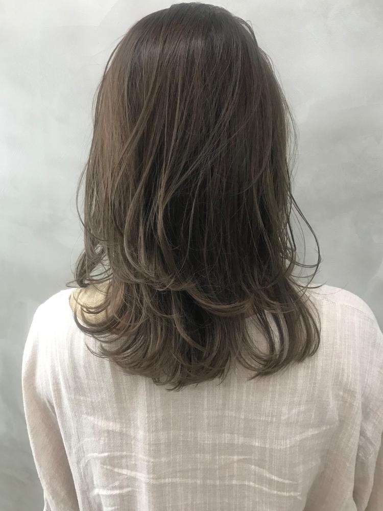 かきあげ前髪と、色っぽくてかわいいミディアムレイヤー@竹ヶ鼻ゆい