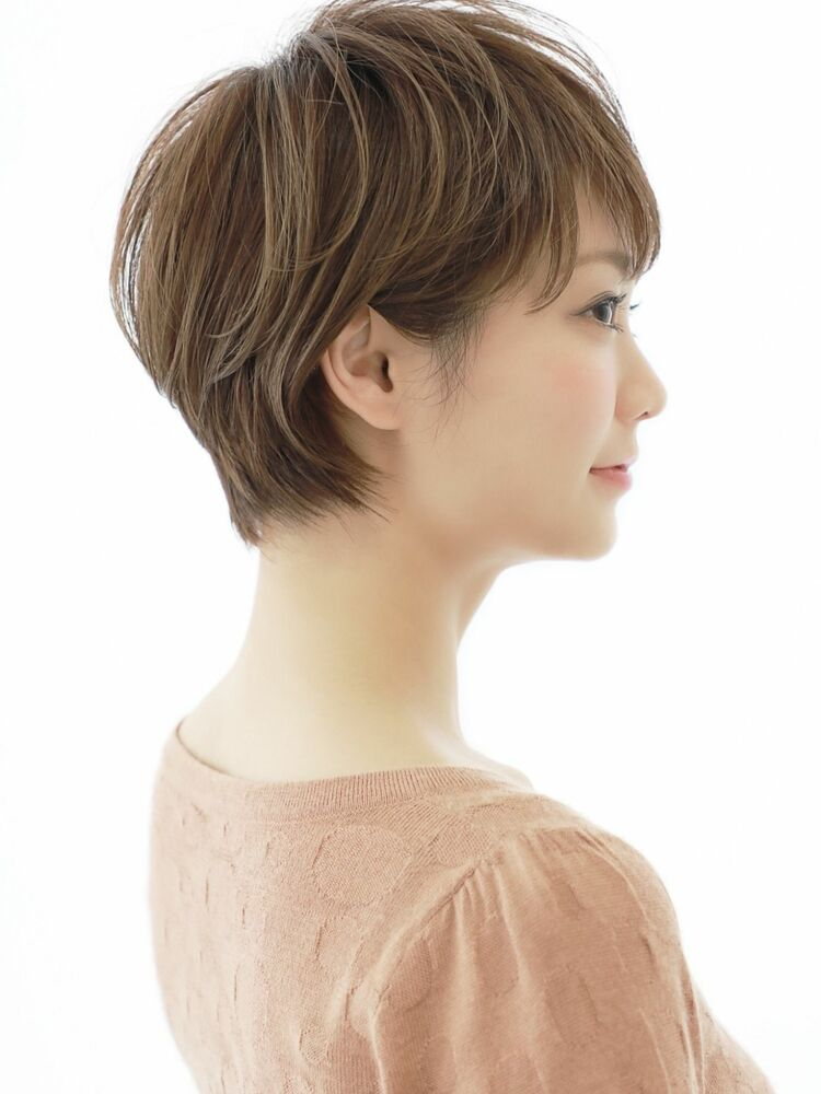 美形に見えるショートヘア◎大人女性に人気♪
