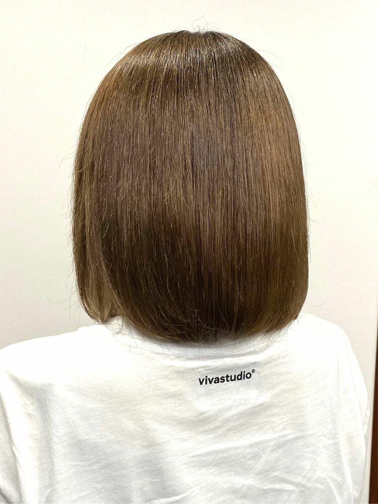 ブリーチ4回と縮毛矯正2回で固くヒラなってしまっても髪質改善♪