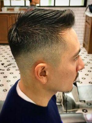つむじの毛流れに逆らわない、ナチュラルなショートスタイル