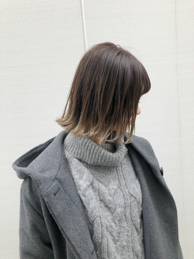 裾カラーの切りっぱなしボブ