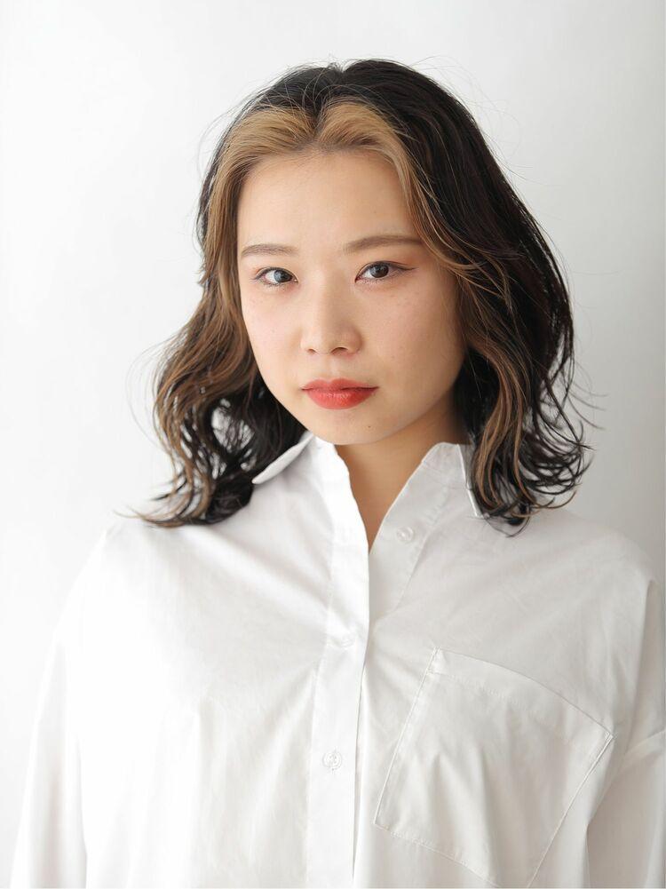 フェイスフレーミング韓国風ミディアムスタイル
