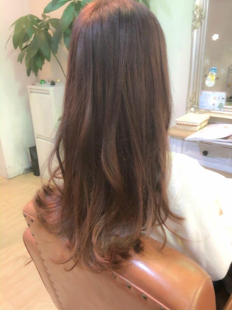 ツヤ髪ロング!ピンクベージュで柔らかい雰囲気に!