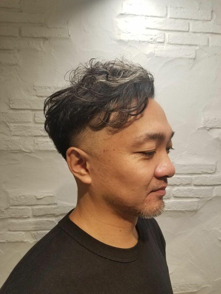白髪を活かした大人の男性の為のヘアスタイル