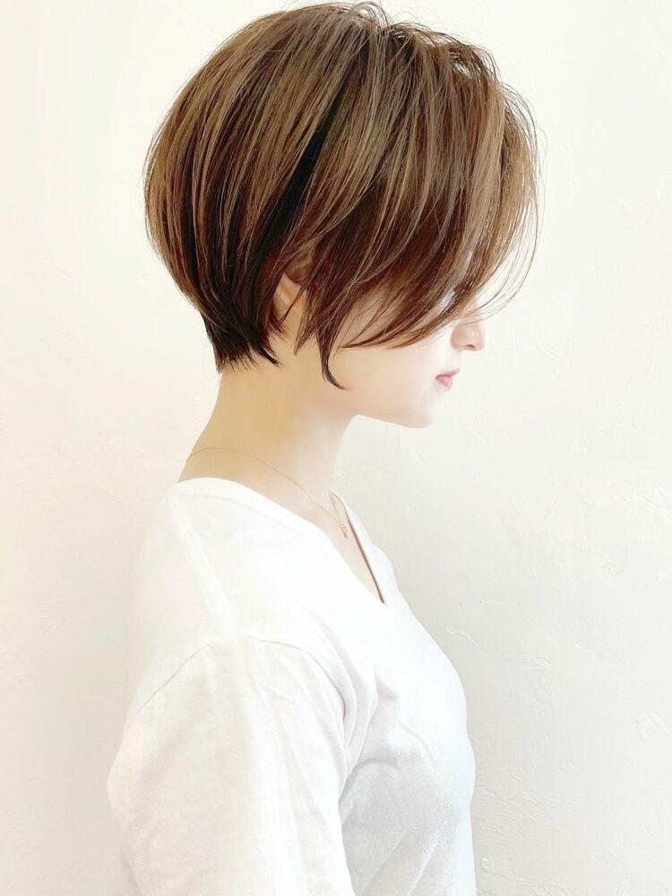 シンプルに可愛くショートヘア
