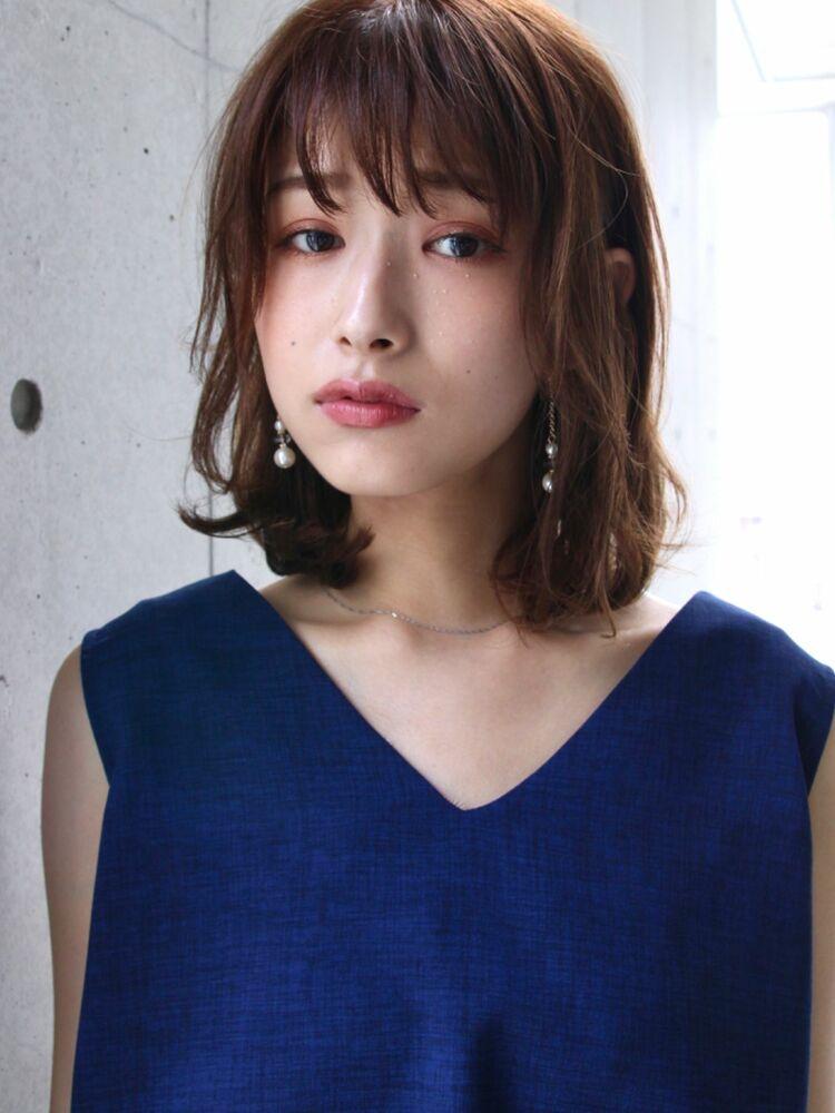 濡れ髪仕上げの無造作ミディ・小顔カット★