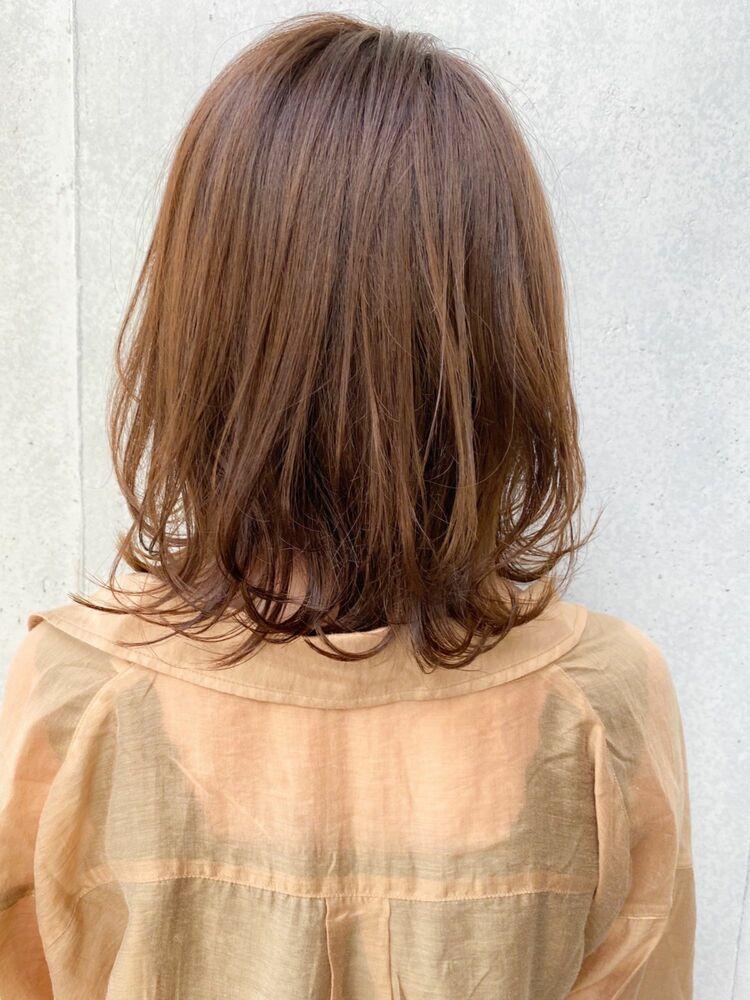 ひし形、ハネてもかわいいミディアムスタイル