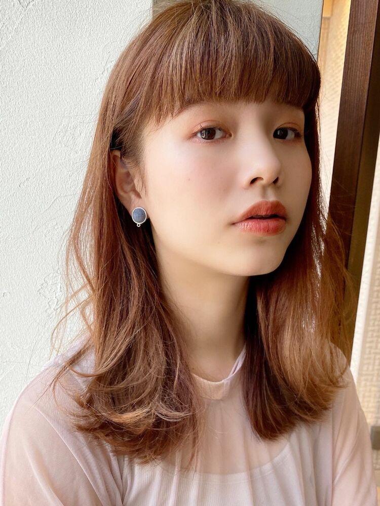 韓国風ピンクカラーの透明感ミディアム
