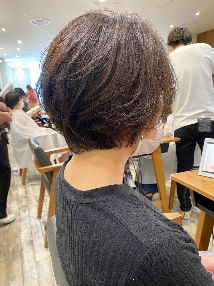 湿気でまとまらない癖毛を活かすショート