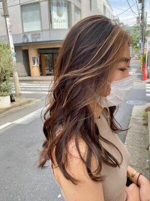 ミルクティーベージュ/インナーカラー/外国人風カラー/イルミナカラー/ケアブリーチ/表参道