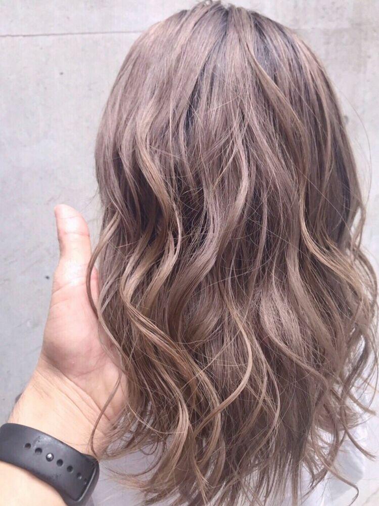 くすみカラー,オリーブカラー,切りっぱなし,くびれショート,濡れ髪,オリーブグレージュ,ウェットヘア