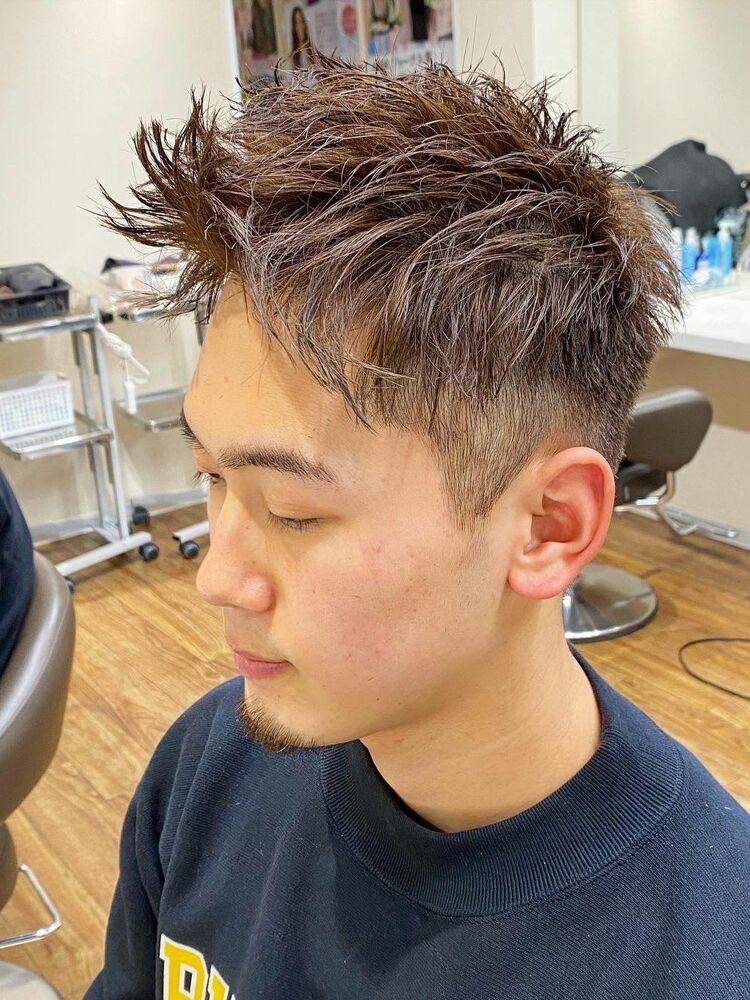 横浜メンズツーブロックショートヘアソフトツイストパーマアッシュベージュ短髪