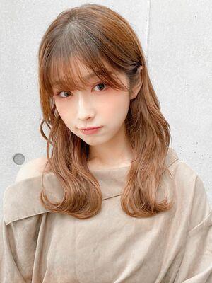 韓国風S字カールの大人かわいいスタイル