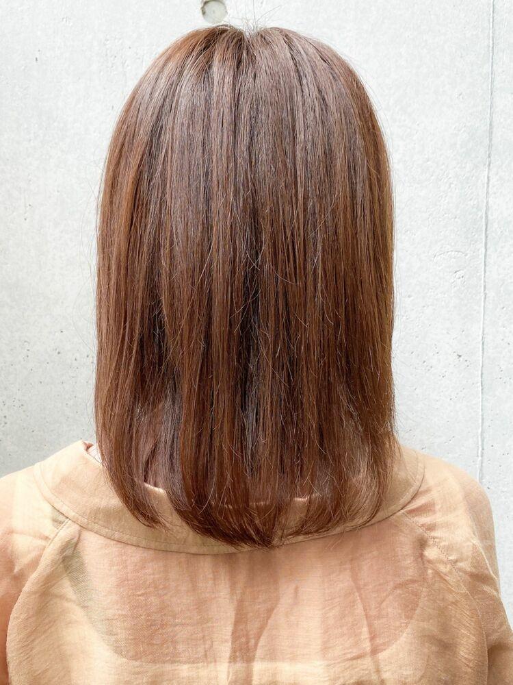 ミディアムスタイルのコスメストレートで艶髪