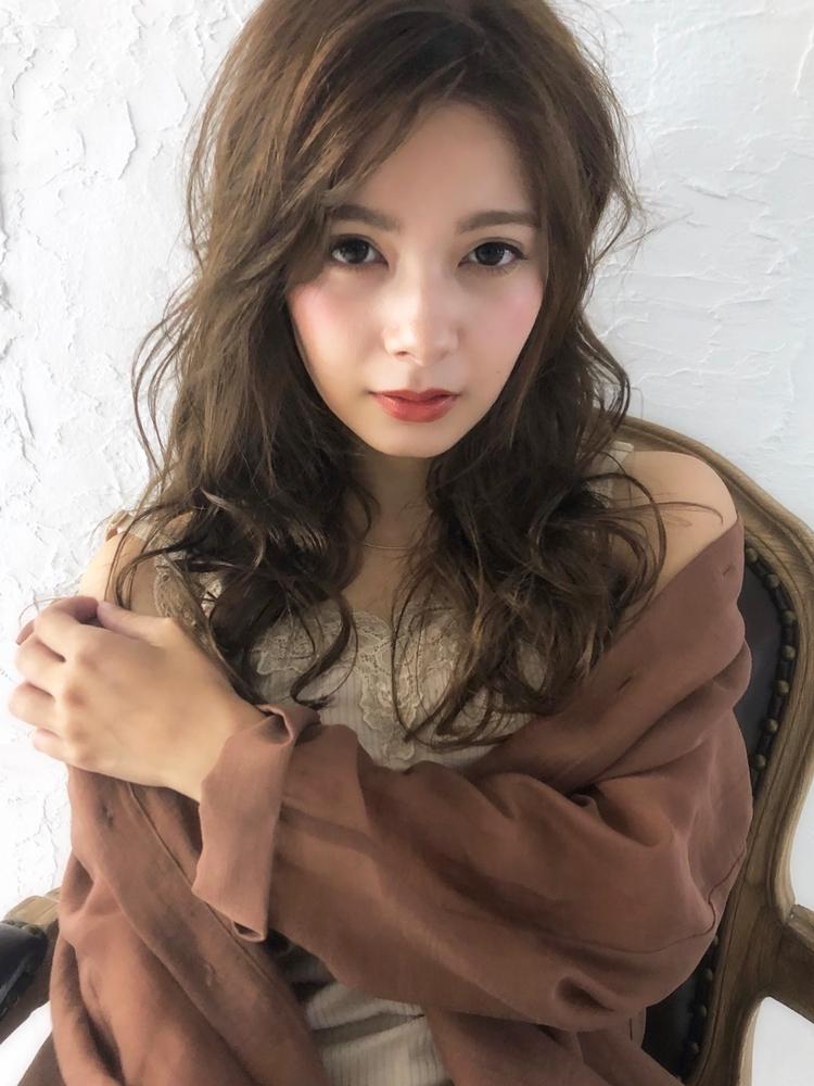 2019秋冬☆大人可愛いエレガントアッシュベージュ/波巻きかきあげバング☆柴田彩香