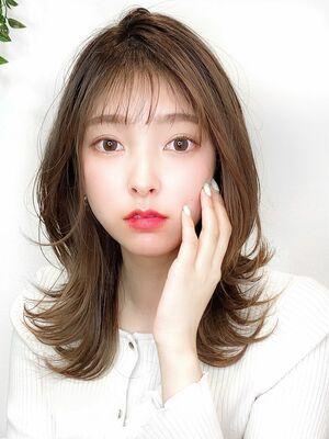 人気の韓国風で可愛く★Sシルエット×ゆるはねパーマヘア