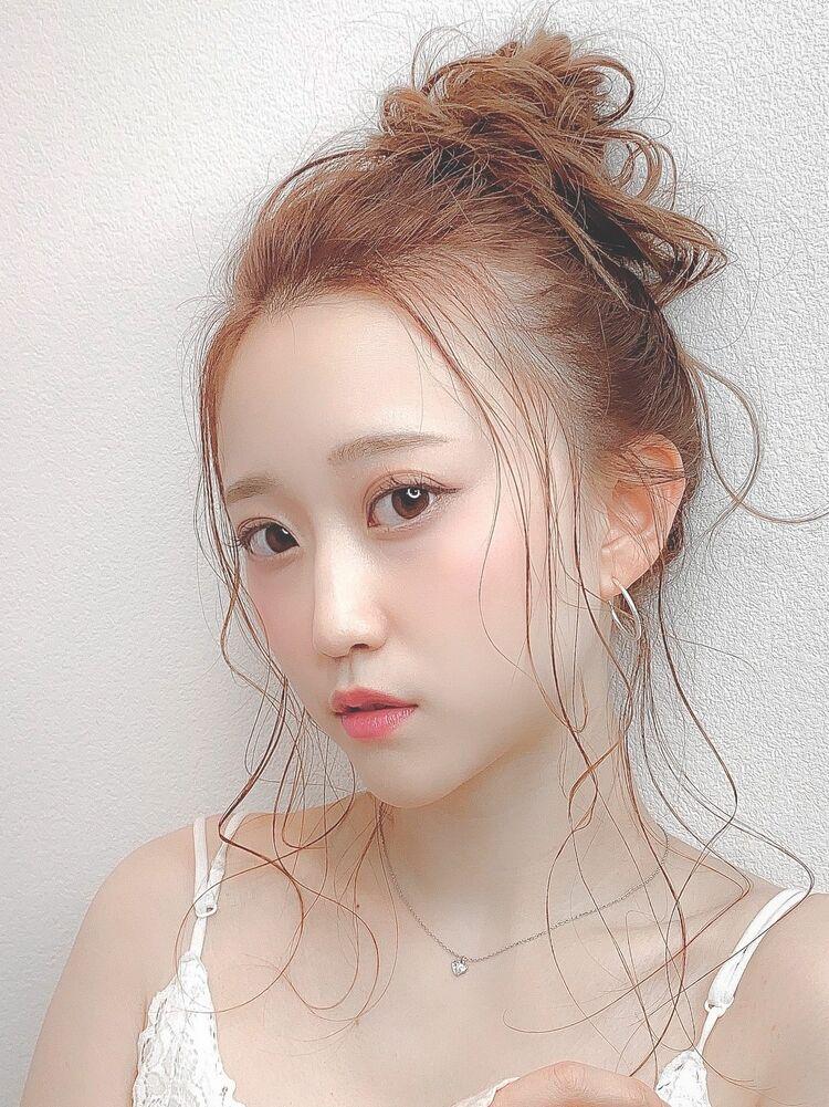 後れ毛がかわいい☆カジュアル向けアップ×ゆるふわヘアアレンジ