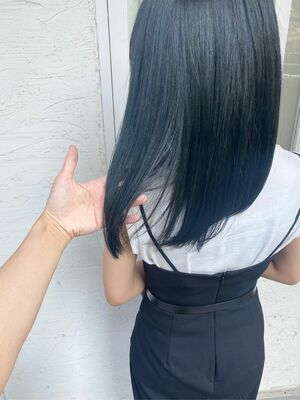 透明感ブルーヘア