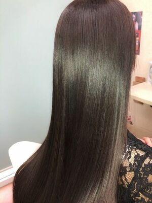 カラーと同時に出来る、縮毛矯正カラークセストパー!