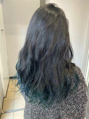 ブラーグリーン裾カラー